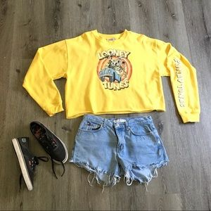 SOLD Yellow Cropped Looney Tunes Sweatshirt sz XL